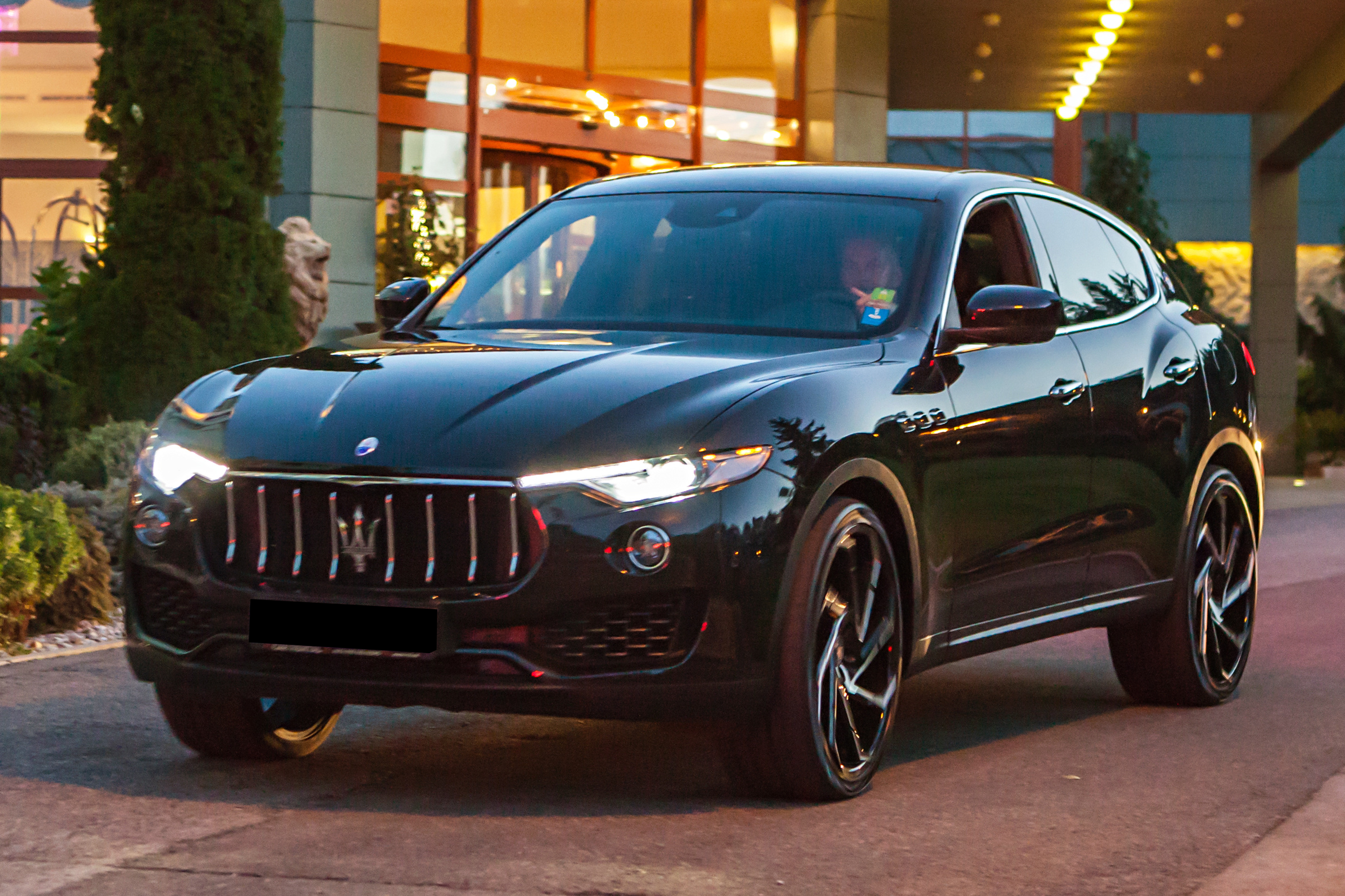 Rent A Car Maserati Levante Diesel 3 0 Automat 4x4 New