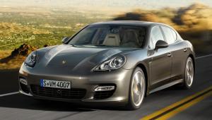 Prenájom auta Porsche Panamera
