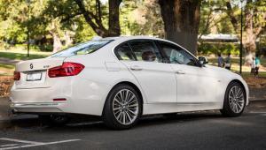 Prenájom BMW 318d Limousine SportLine zozadu