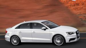 Prenájom auta Audi A3 z boku