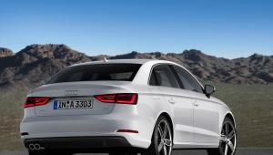 Prenájom auta Audi A3 zo zadu