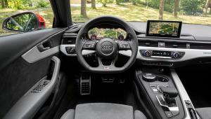 Prenájom auta Audi A4 Basic z vútra