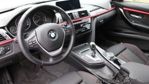 Prenájom BMW 318d Limousine SportLine interiér
