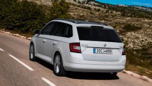 Prenájom auta - Škoda Fabia zo zadu